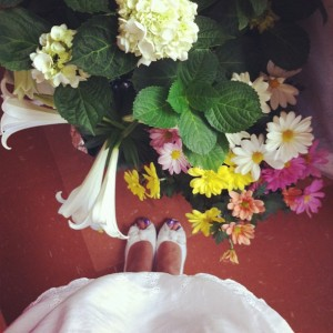 The flowers were pretty, I really liked my outfit, and I wanted a good #lookingdown shot. Did I get it?